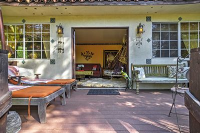 With a spacious patio in a fairy-tale setting, enjoy a rejuvenating escape!