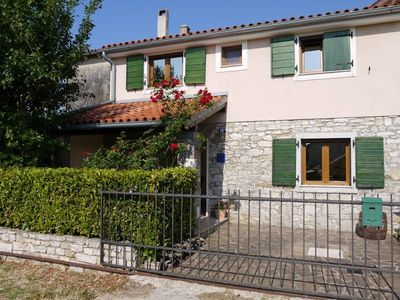 Photo for Spacious stone house in tranquil village location close to Porec and Novigrad