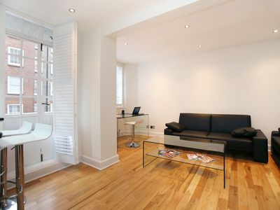 Photo for Beautiful 1 bed flat in desirable Chelsea, walk to the Museums (Veeve)