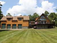 Great lodge with modern amenities, comfortable beds, linens, and more!