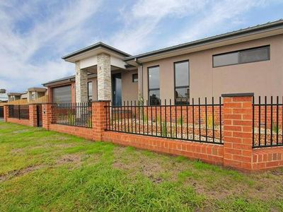 Photo for 3BR Townhome Vacation Rental in Dromana, VIC