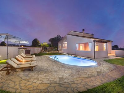 Photo for Villa Agri with large Garden and Pool near Pula