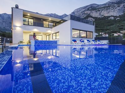 Photo for ctma225/ Holiday house with heated private pool in Makarska, up to 8 persons, 4 bedrooms, sauna, whirpool, gym