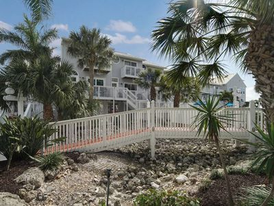 Photo for Escape to our beach front  Island paradise