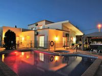 Lovely villa with a great heated pool