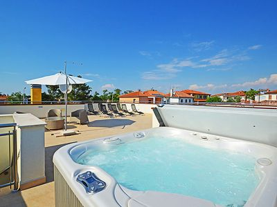 Photo for One bedroom Apartment, sleeps 4 in Umag with Pool, Air Con and WiFi