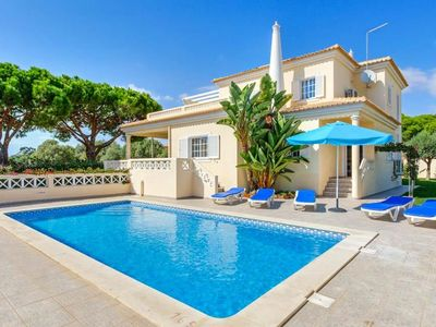 Photo for 4 bedroom Villa, sleeps 8 in Roja- Pé with Pool, Air Con and WiFi