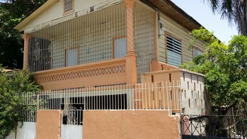 """Charming 3-BR house in a """"Real Puerto Rican"""" peaceful, friendly area of Ponce"""