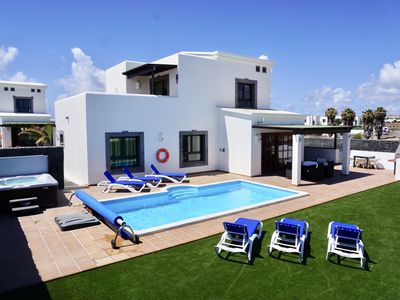 Photo for New for 2018 luxury 3 bed villa with private pool & hot tub in Faro Park area