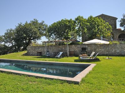 Photo for Wonderful private villa with A/C, private pool, WIFI, panoramic view, parking, close to Montalcino