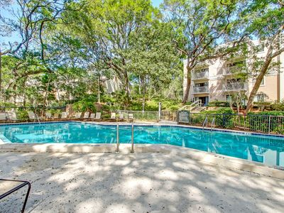 Photo for GREAT RATES, GREAT LOCATION! 2 Bed/2 Bath Beach Wood Condo - Walk to beach!