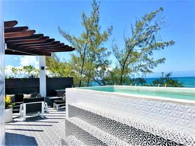 Photo for OCEAN'S 13 - 3BR/3BA BEACHFRONT, PRIVATE ROOFTOP POOL, SLEEPS 8, GUT RENOVATED