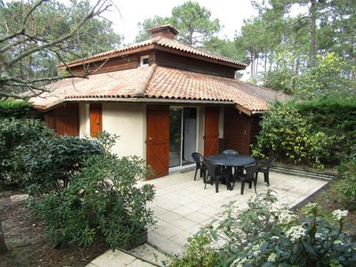 Photo for Semi detached house, 1 bedroom and 1 mezzanine, 4 people in residence with pool, Lacanau Ocean