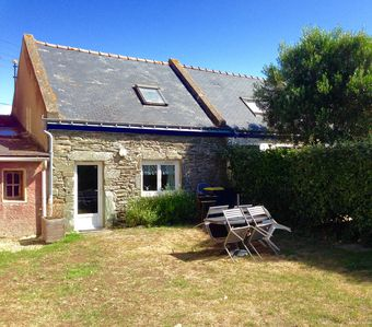 Photo for Charming house with garden on the island of Groix