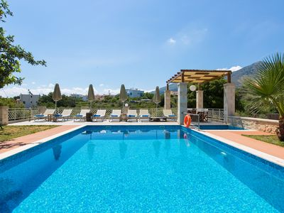 Photo for Villa Saridakis! Private pool, gym, kids' pool, walking distance to tavernas!