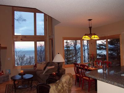 Lake Superior Town Home. Private And Quiet. 4 Miles To Split Rock Lighthouse