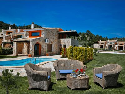 Photo for Luxury Family Villa with Pool