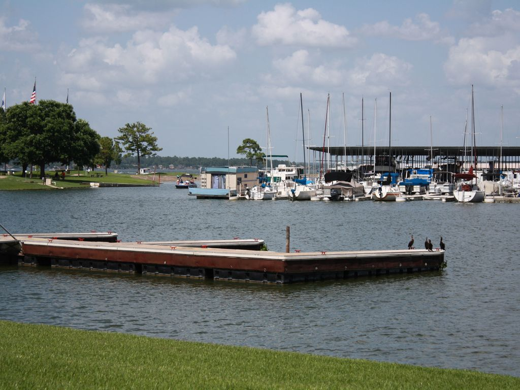 Water Front Ground Level Long Term Autumn Winter Specials Walden On Lake Conroe