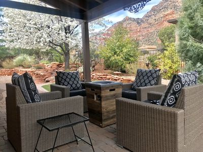 UPDATED, CLEAN, MODERN retreat, close to hiking, with stunning views.