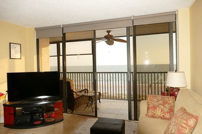 Living room/balcony - view of Gulf of Mexico