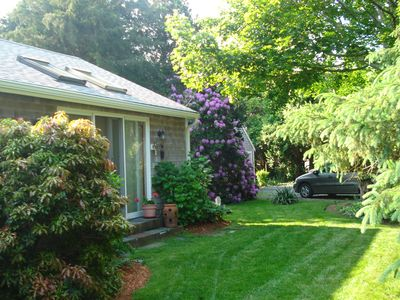 Photo for Beautifully Landscaped Cottage with water view.