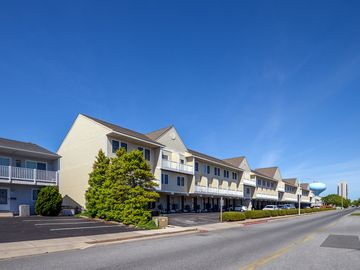 Direct Bayfront w/ Beautiful Sunset Views in N. Ocean City!