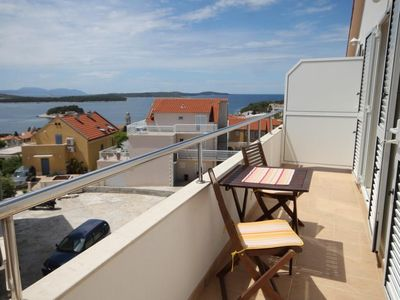 Photo for One bedroom apartment with balcony and sea view Hvar