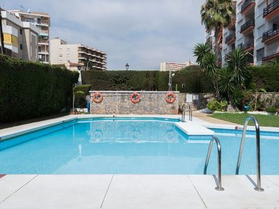 Photo for Cosy apartment for 4 guests with WIFI, pool, A/C, TV and parking