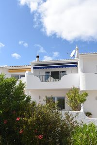 spacious two storey linked villa for up to 5 guests