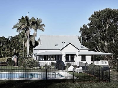 Photo for A Perfect Stay – Benny's Cottage - stylish yet relaxed country luxury and comfor