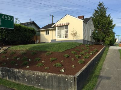 Photo for Cottage Style - 2 bed home in the heart of Seattle