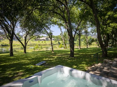 Deep Water on the Blanco- Wimberley riverfront close to town, 5 bed, 6 bath!