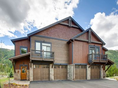 Photo for New 3Bdr Luxury Home/Sleeps 10 w fireplace & mountain views