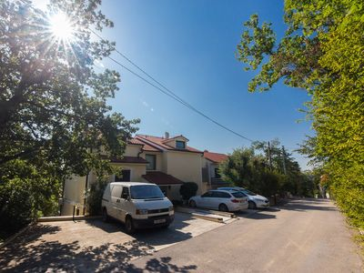 Photo for Apartment with single bedroom, peaceful neighbourhood, 100m away from beach