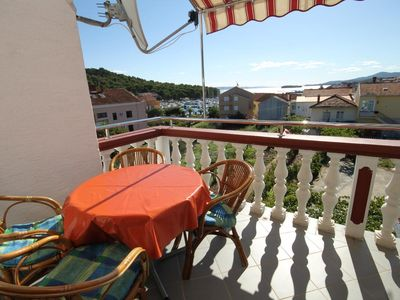 Photo for Two bedroom apartment with terrace and sea view Kukljica (Ugljan)