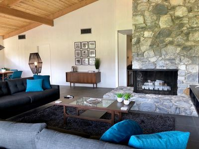 Photo for Golf Course living with mountain panorama, fireplace and jacuzzi!