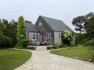 Photo for Charming Nantucket cottage less than a mile from Surfside Beach, private yard