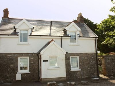 Photo for Character cottage in the heart of Lydstep, just a 5-minute walk to the beach