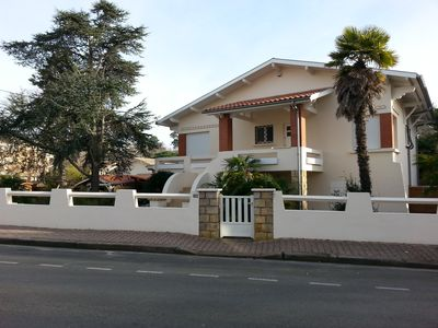 Photo for 3 bedroom house, 50m from the beach, communal gym swim spa and sauna