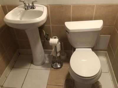 Photo for Surburban Townhouse 5 miles from Hartsfield-Jackson International Airport