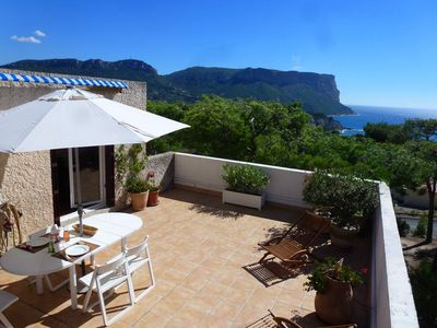 Photo for Apartment 48 m2 with large terrace (40m2), 700m from the port and beaches