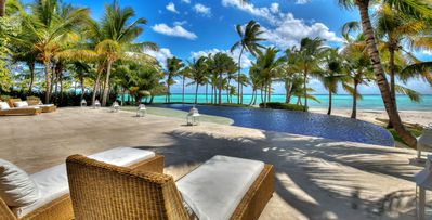 6bd beachfront luxury villa, tropical, relaxing, pool, hammocks
