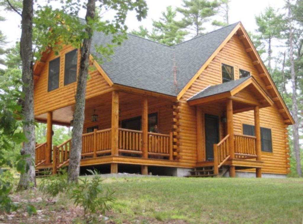 Mousam lake lodge decorated 3 bedroom log c vrbo for 3 bedroom log cabin plans