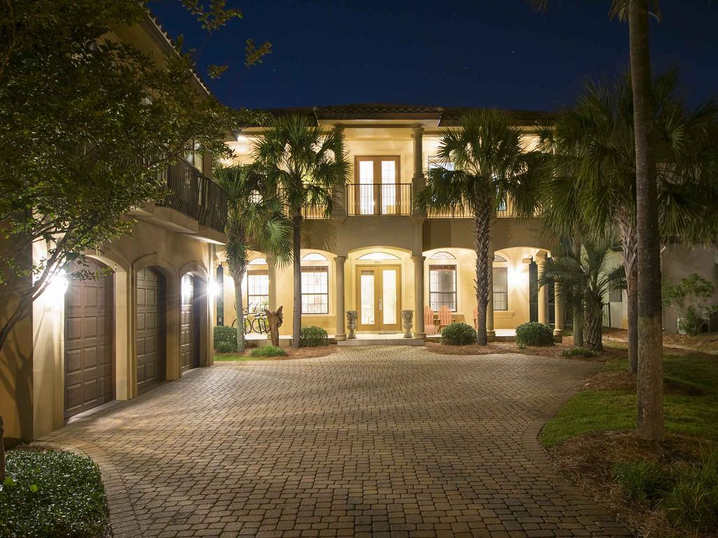 Relax in this luxury beach home in destin vrbo night exterior falaconquin