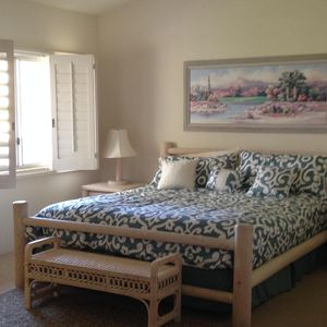Upstairs master with king size bedroom,  high cielines and beatiful fairway view