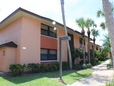 Photo for Fresh updated & renovated crisp 2 bedroom 2 bath vacation place in quiet location
