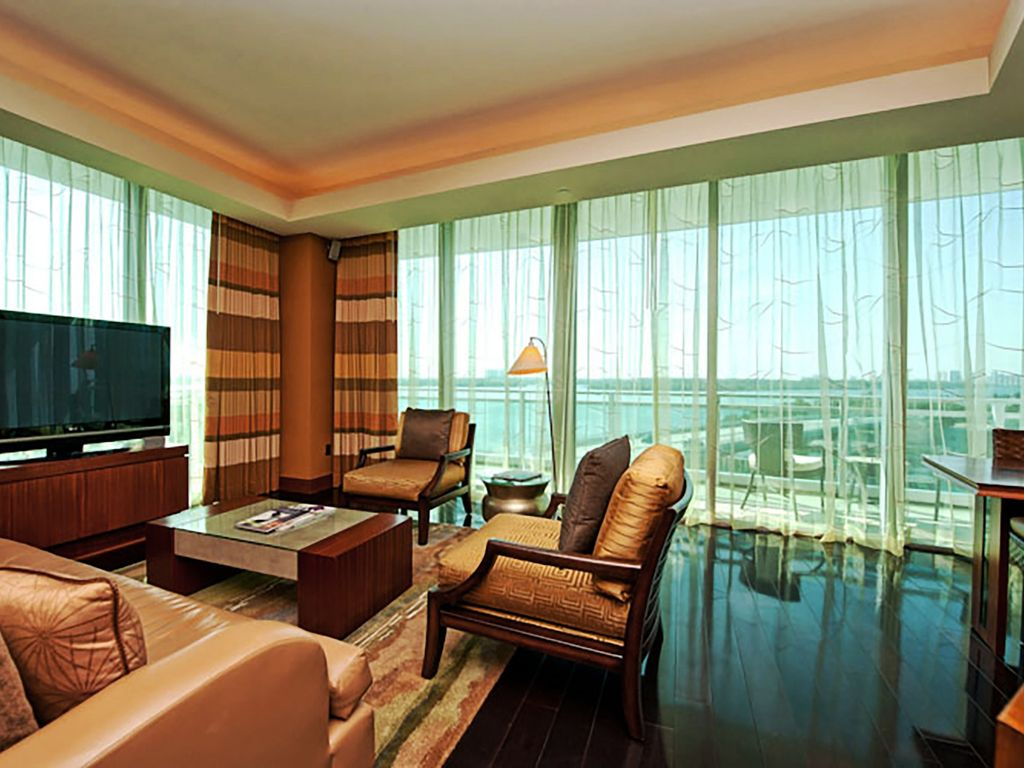 Lux 2 bedroom suite 10th fl located at the vrbo for 2 bedroom suites on collins avenue