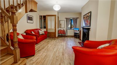 Photo for City Townhouse. 2 bedrooms. 5 minutes walk to Eyre Square. Parking space. Wifi