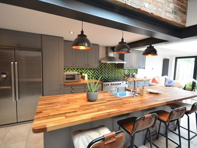 Photo for Longwall House, Chichester - sleeps 6 guests in 3 bedrooms