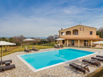 Photo for Villa Degli Archi, with pool and wonderful sea view, 5 minutes from the beaches of Cupra Marittima